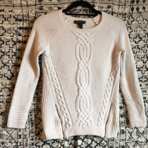Sweater with zippers